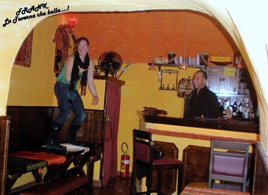 Tiffany Club Sorrento : si balla sui tavoli