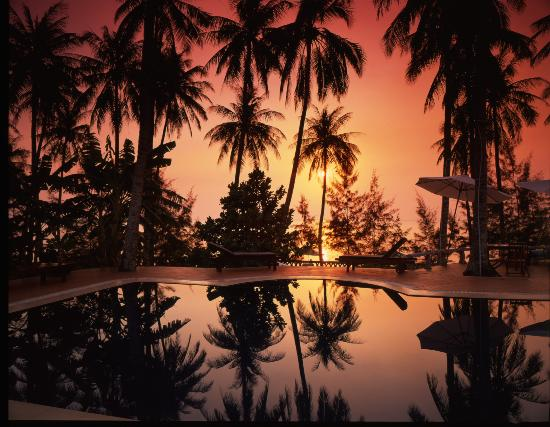 Cassia Cottage - The Spice House: Sun set Pool area