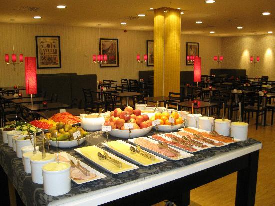 BEST WESTERN PLUS Time Hotel: Frühstück