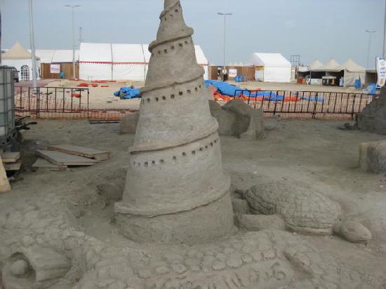 Saudi Arabia: art on sand