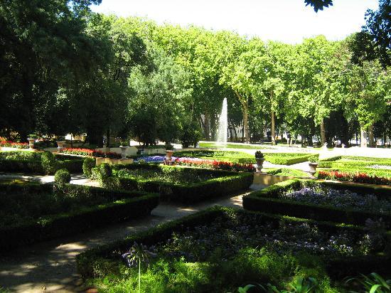 Mafra - Jardins ao lado do Mosteiro
