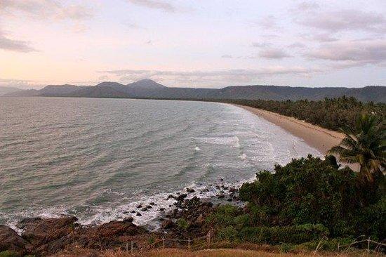 Four Mile Beach: sunrise on our Port Douglas beach