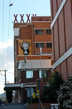 """Μπρισμπέιν, Αυστραλία: the XXXX Brewery (say """"4 X"""")"""
