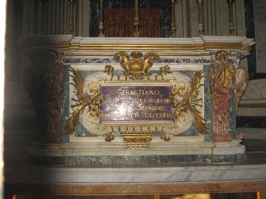 Catacombe San Sebastiano: altar of St Sebastian by Ferri of 1672