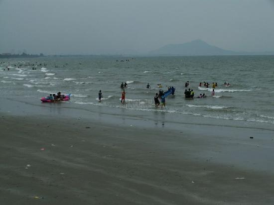 Chonburi, Tayland: bang saen, beach action
