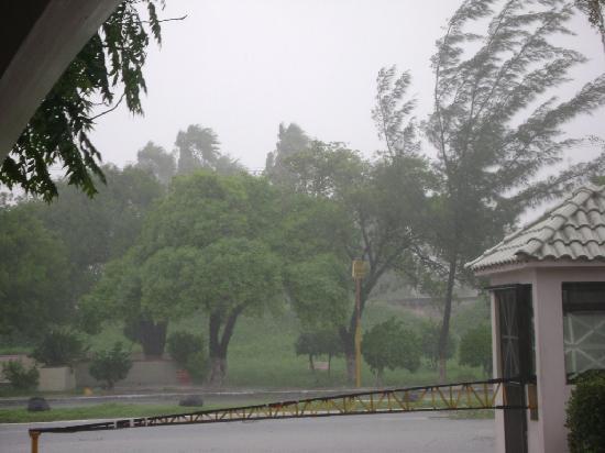 BEST WESTERN Gran Residencial: Matamoros during Dolly hurricane