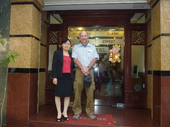 Hanoi Street Hotel: Mom