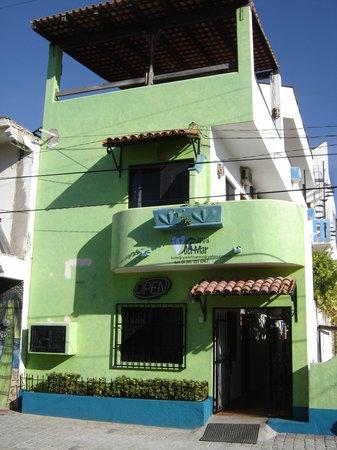 Hoya Del Mar: Front view