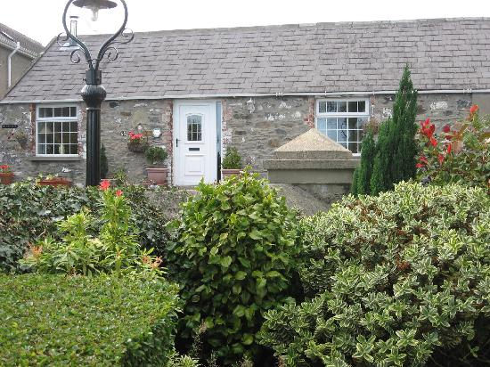 "Newcastle Country Cottages: The Lovely ""Horsewalk Cottage"""