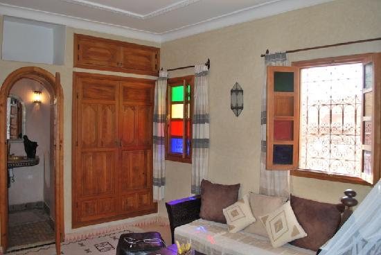 Riad Awinati: Notre chambre ( suite perle)