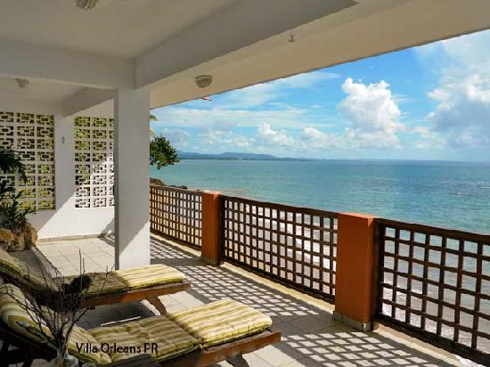 Villa Orleans: Caribbean Beachfront Balcony