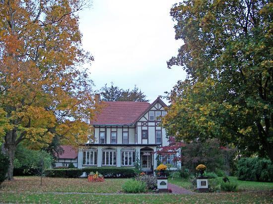 Vintage Gardens Bed & Breakfast : Fall 2009