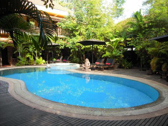 Pavillon Indochine Hotel: the salt-water pool
