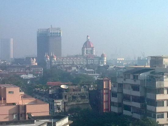 Fariyas Hotel Mumbai: View of Hotel Taj