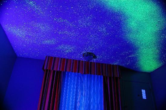 Starry night ceiling black light picture of travelodge inn travelodge inn suites by wyndham anaheim on disneyland dr starry night ceiling black aloadofball Images