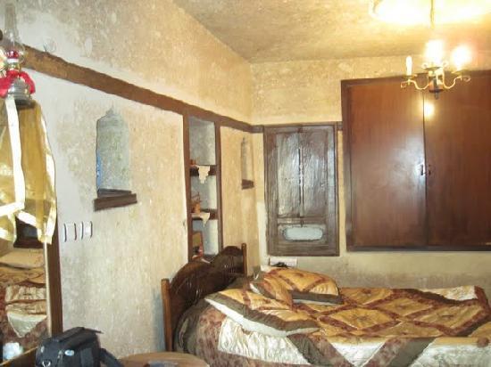 Dedeli Konak Cave Hotel: a nice room in a cave...