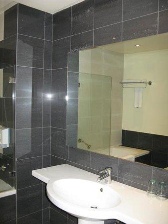 Le Pietri Urban Hotel: bathroom