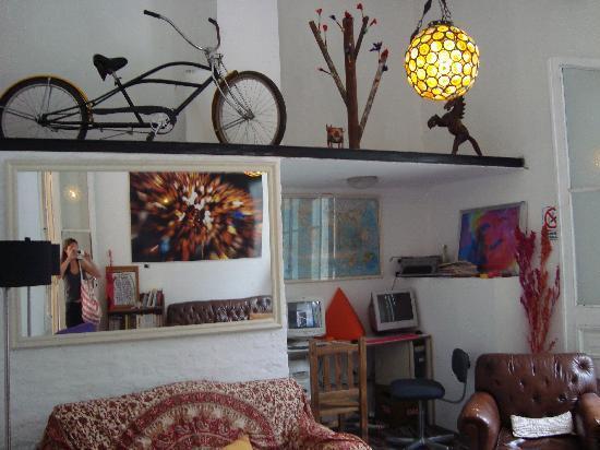 ChillHouse: salon/internet