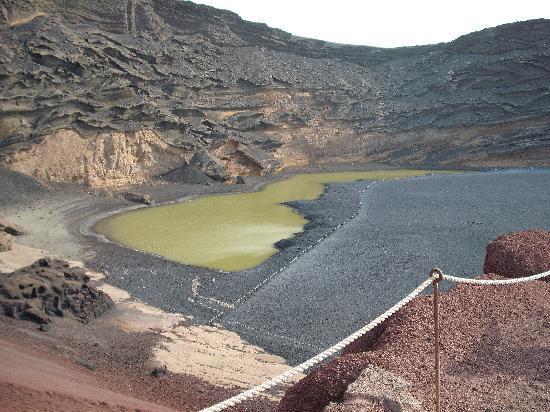 Las Palmeras: Volcanic green lake @ El Golfo