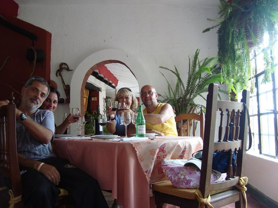 Villa General Belgrano, Argentina: Las pircas con amigos
