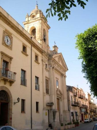 Partinico, Italia: La Chiesa e il Convento!!