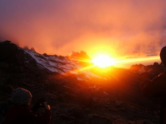 Mount Kenya National Park, Kenya: SUNRISE!!!