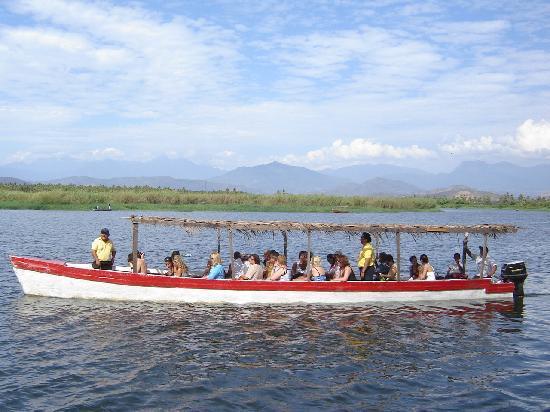 Pie de la Cuesta, México: Paseo en lancha en la barra de Coyuca