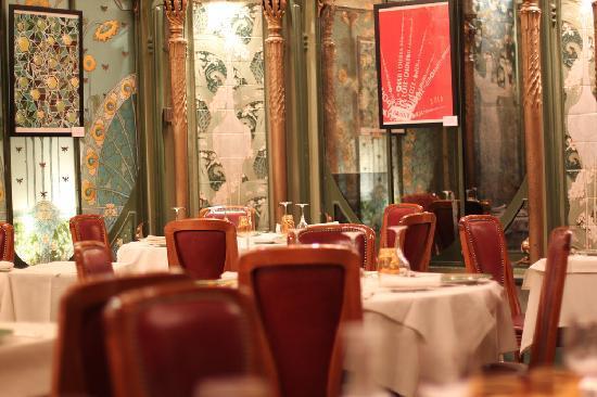 La Fermette Marbeuf: Dining area