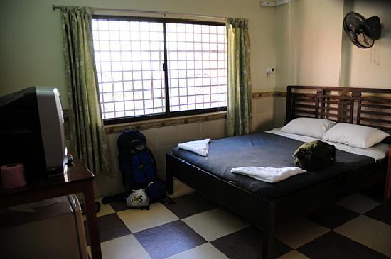 Welcome Inn : The $30 room.