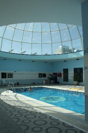 Ecohotel Puerto de Ojen: piscina