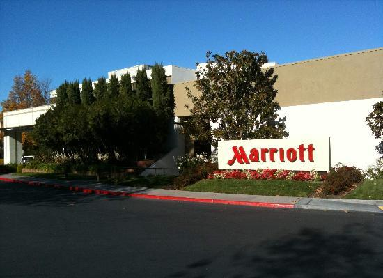 Pleasanton Marriott Hotel Entrance