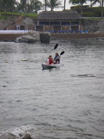 Barcelo Karmina: Manzanillo Mexico 2006 (Ally and Rachel kayaking)