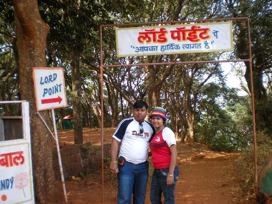 Green Hill Resort: me with my wife at lords point, matheran