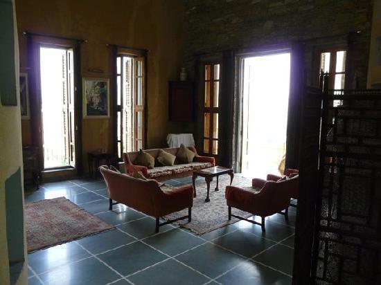 Mountain Ridge: Living room