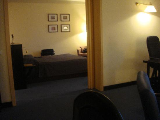 Le Meridien Ogeyi Place : From the sitting room, our bedroom