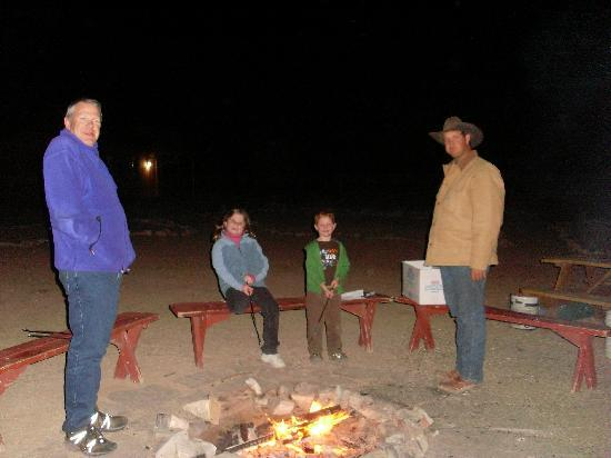 Peach Springs, AZ: Marshmellows for all
