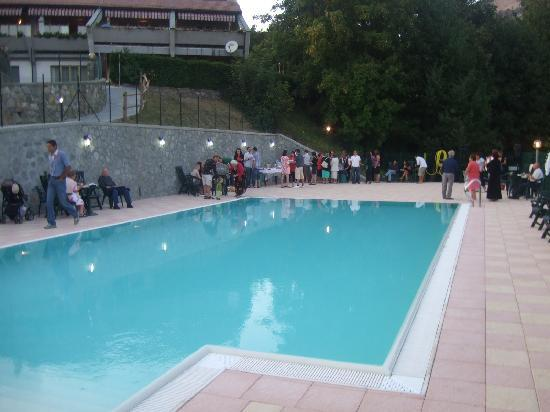 Albergo California: The pool