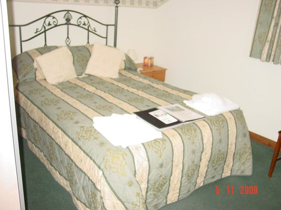 Glenan Lodge Guest House : Beautiful Bedroom :)