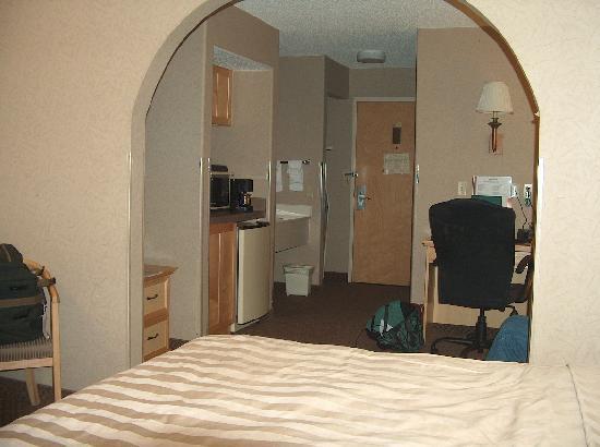 Comfort Suites Golden West on Evergreen Parkway: From bedroom to sitting area