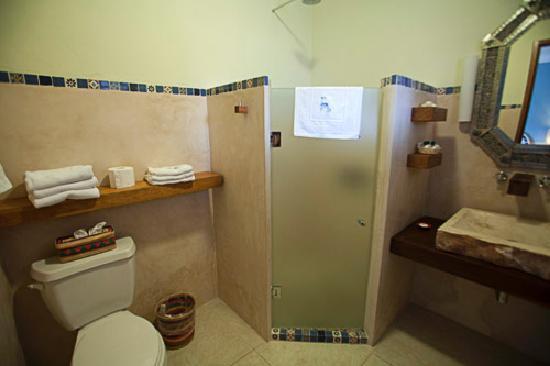 Hotel Casa San Angel: Bathroom