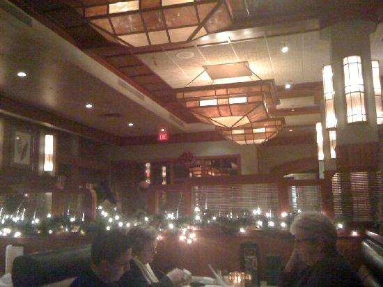 McCormick & Schmick's Seafood: comfortable atmosphere