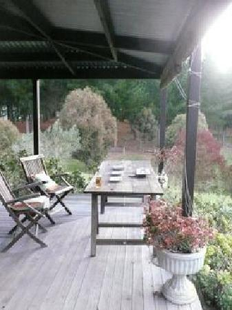 Big Tom's Cottages: Deck