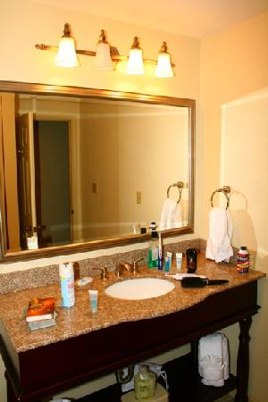 Bathroom picture of wyndham patriots place williamsburg for Bathroom remodeling williamsburg va