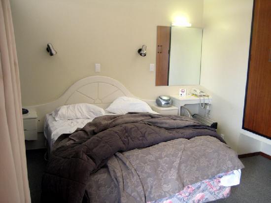 Teal Motor Lodge: Room