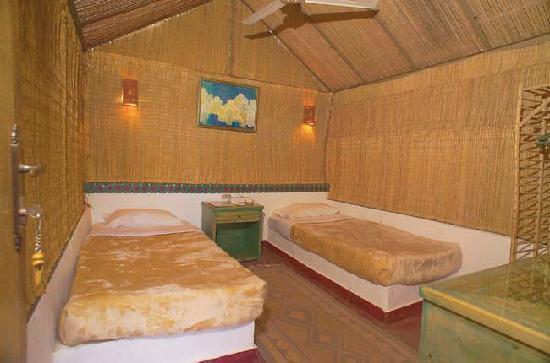 Sol Y Mar Mut Inn: Twin bedroom