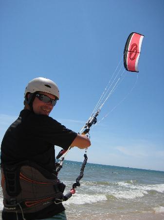 Sunrise Resort : Flying the kite