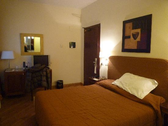 chambre double standard - Picture of Hotel Adriano, Rome - TripAdvisor