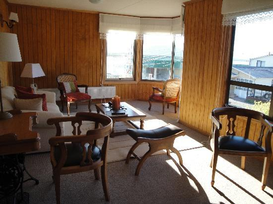 Keoken Patagonia Bed & Breakfast: Salon planta superior