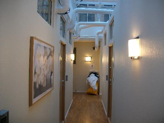 City Hostel: couloir2