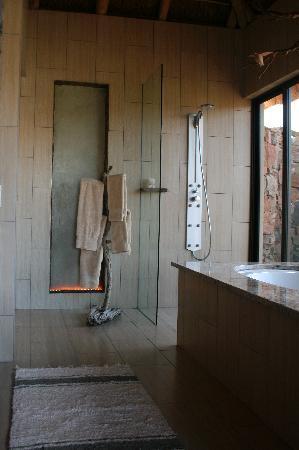 White Lion Lodge: bathroom